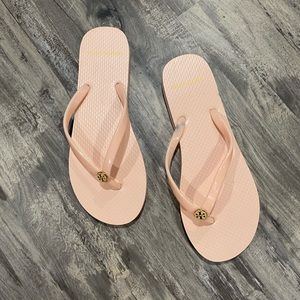 Tory Burch flip flops in blush size 7 sandals
